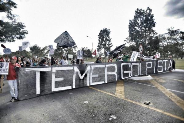 Temer e Cunha representam a volta dos anos noventa, afirma ex-diretor do IPEA