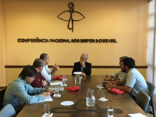 CNBB apoia os sindicatos contra as reformas
